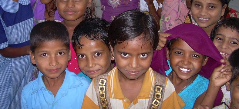 proyecto de promoción de la mujer tribal en Palanpur (India)