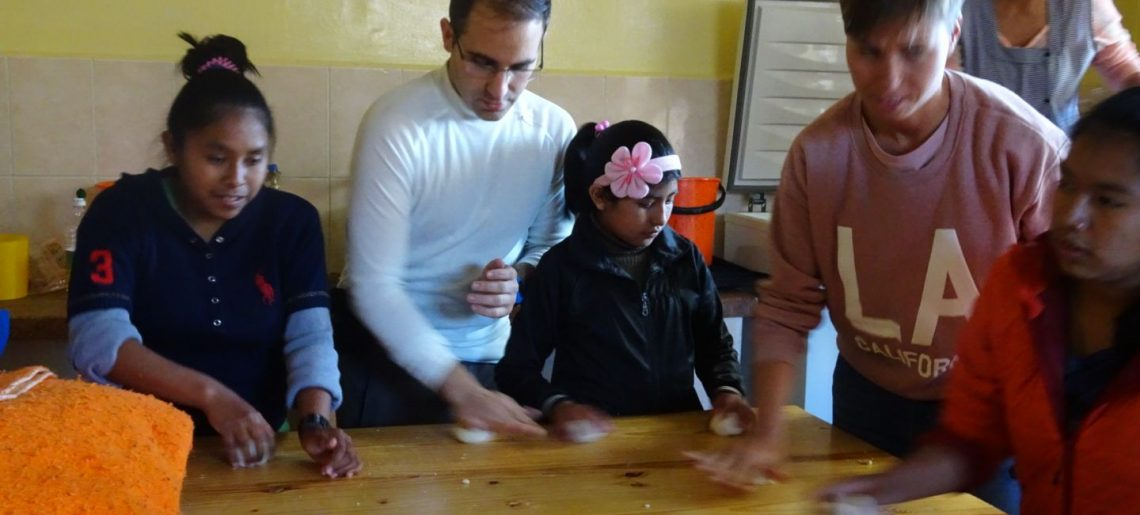 VOLUNTARIOS EN BOLIVIA